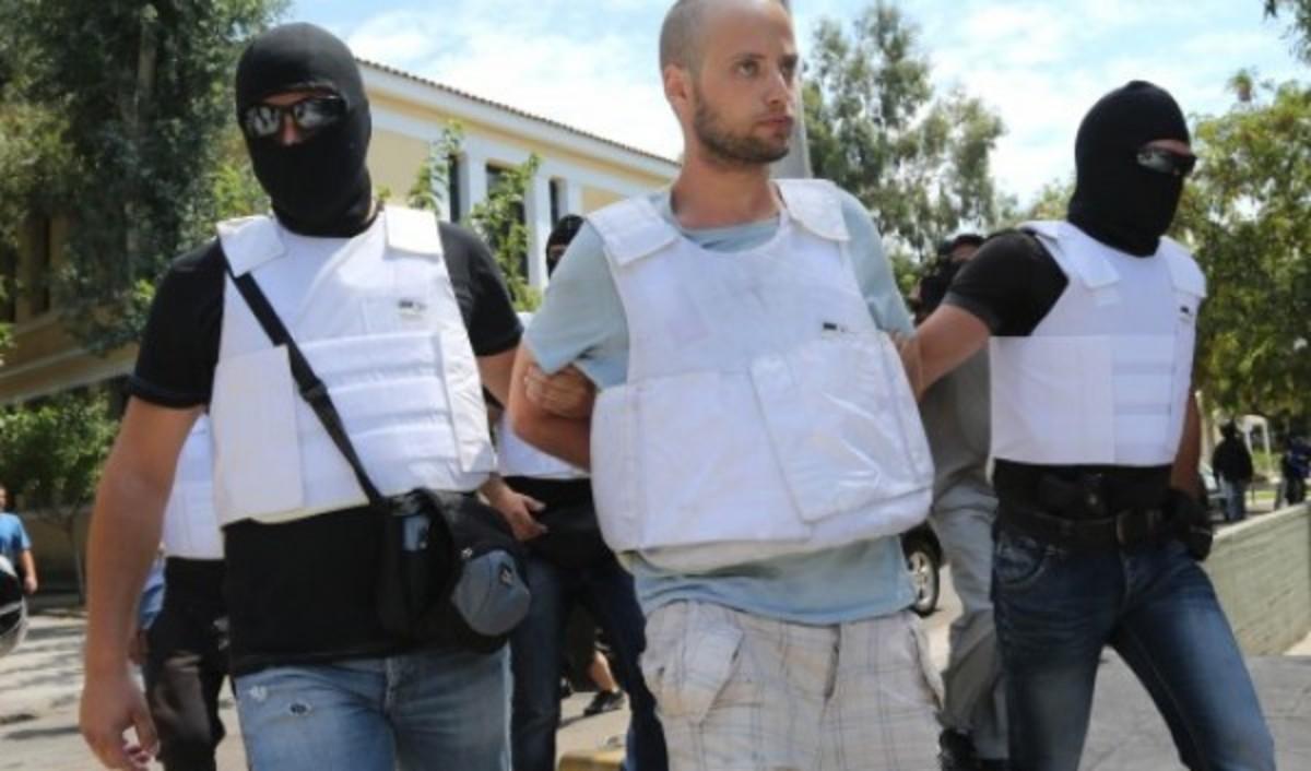 Ετοίμαζαν χτύπημα ως τις 6 Οκτωβρίου; – Τα πρώτα ευρήματα στο κρησφύγετο της Λαμίας | Newsit.gr