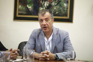 Με Καζατζάκη απαντάει στις αποχωρήσεις ο Σταύρος Θεοδωράκης