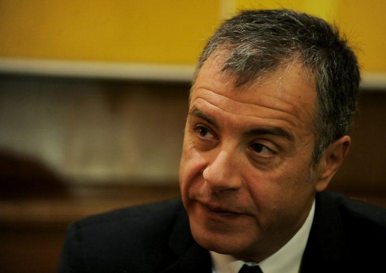 Θεοδωράκης για Καμμένο – Τζούλη: Τελικά όντως τους ψεκάζουν | Newsit.gr