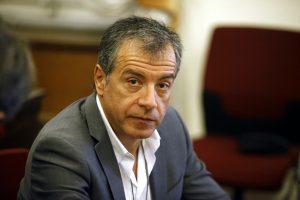 Θεοδωράκης: Θα πρέπει να υπάρχει ένα Εθνικό Συμβούλιο Ασφαλείας