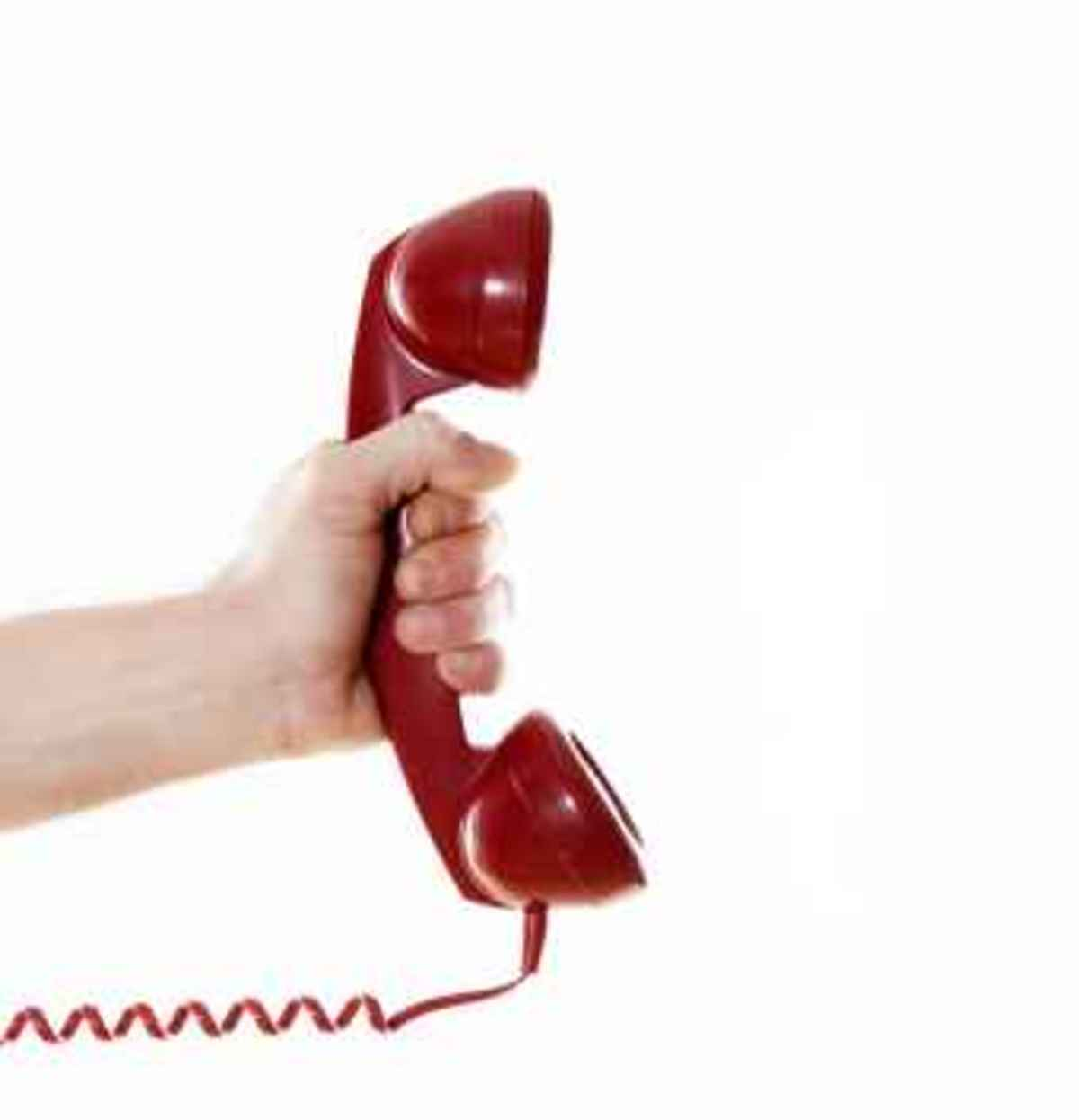 Μειώνονται τα τέλη στα σταθερά τηλέφωνα | Newsit.gr