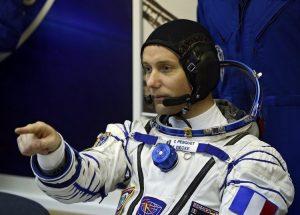"""Έφτιαξε """"διαστημικά μακαρόν"""" για τα γενέθλια του αστροναύτη Τομά Πεσκέ"""