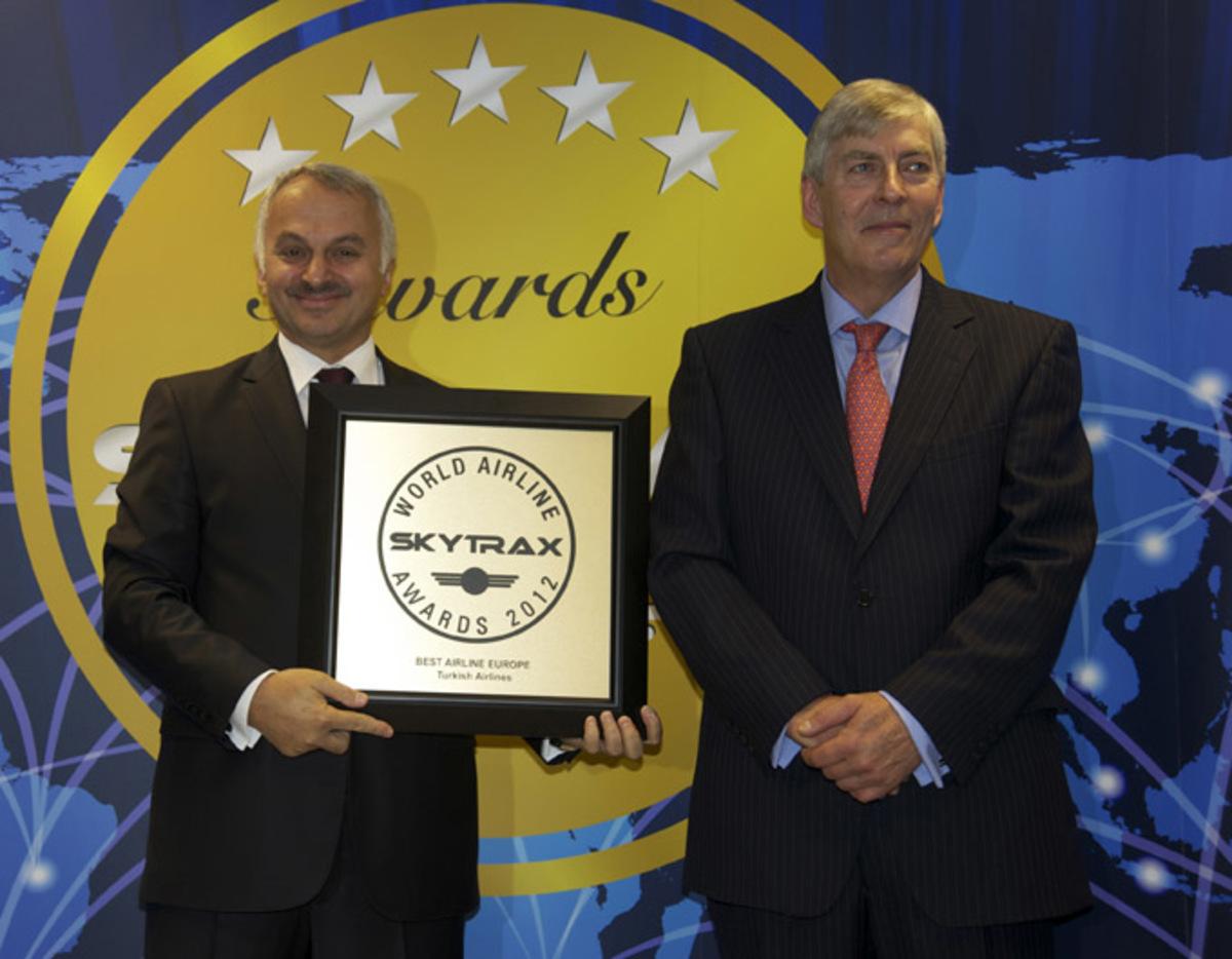 Νέα τριπλή πρωτιά για την Turkish Airlines «Καλύτερη Αεροπορική Εταιρεία της Ευρώπης το 2012» | Newsit.gr