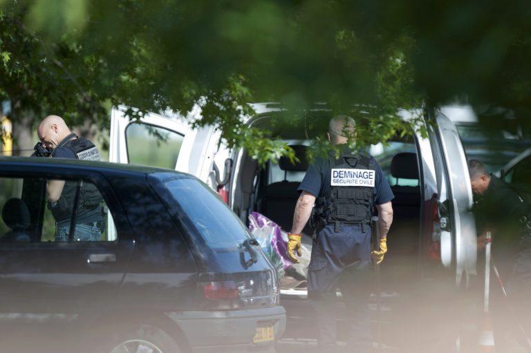 Ένοπλος κρατά ομήρους σε τράπεζα της Τουλούζ | Newsit.gr