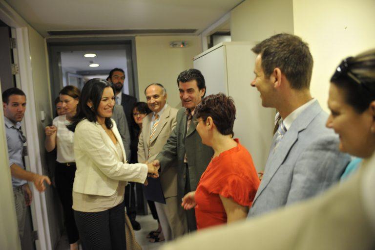 Παραδίδουν και παραλαμβάνουν – φωτο και δηλώσεις   Newsit.gr