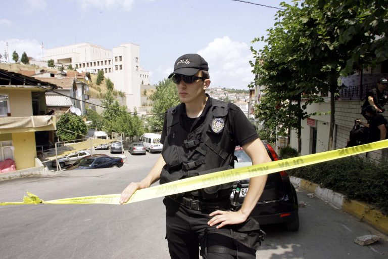 Τουρκία: 120 συλλήψεις για συμμετοχή στην Αλ Κάιντα   Newsit.gr