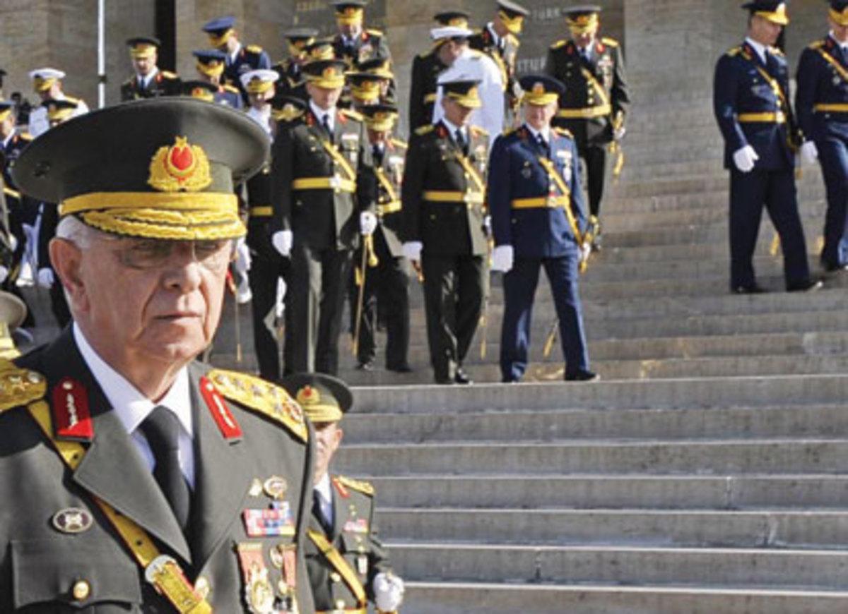 «Οι στρατιωτικοί μπορεί να επανέλθουν ισχυροί στην εξουσία» | Newsit.gr