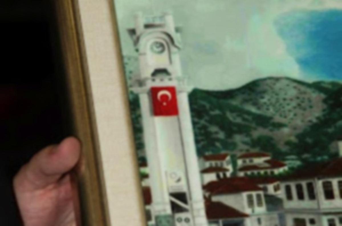 ΘΡΑΚΗ:Απίστευτη πρόκληση «τούρκων»! «Υψωσαν» τουρκική σημαία στο ρολόϊ της Ξάνθης   Newsit.gr