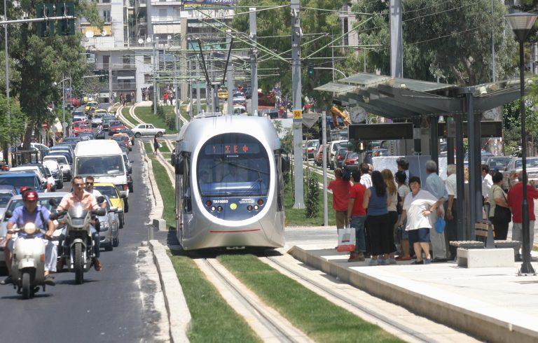 Τον έκλεψαν στη στάση του τραμ | Newsit.gr