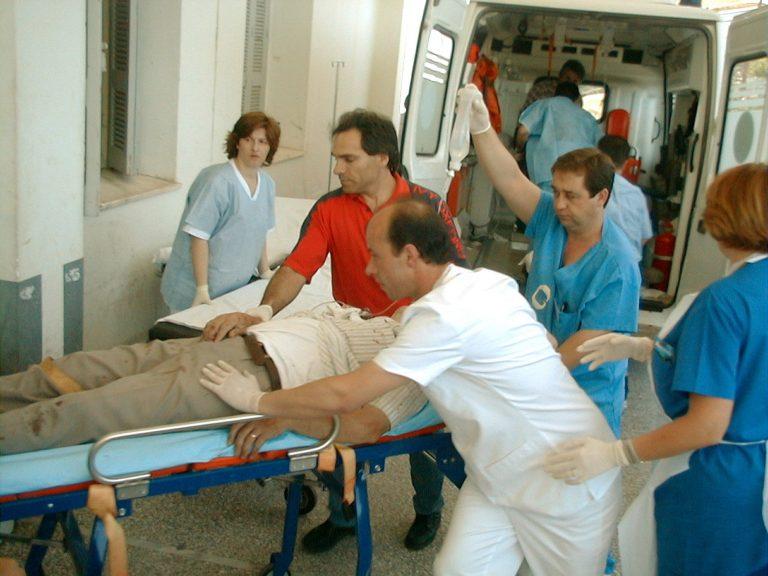 Χαροπαλεύει στο νοσοκομείο   Newsit.gr