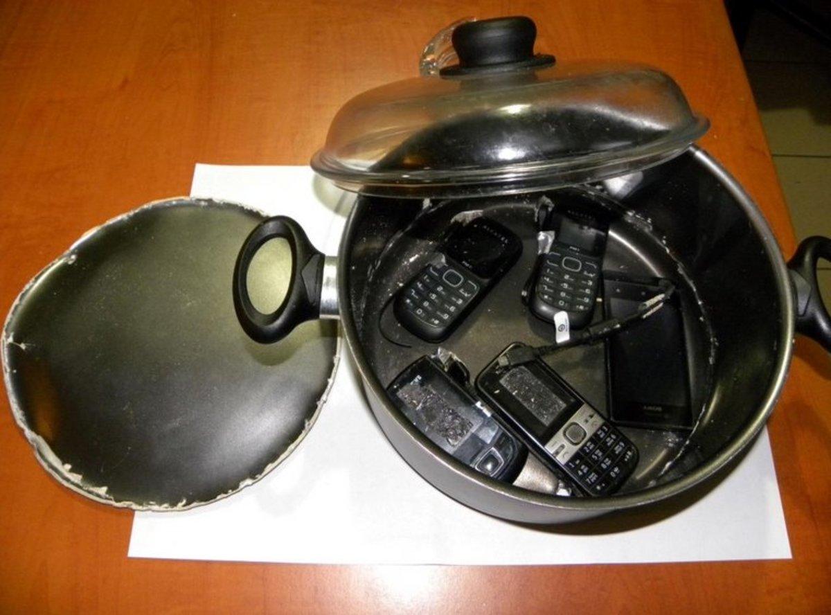 Μέσα σε κατσαρόλα με διπλό πάτο θα περνούσαν κινητά στις φυλακές Τρικάλων! – Ετοίμαζαν νέα απόπειρα απόδρασης; | Newsit.gr