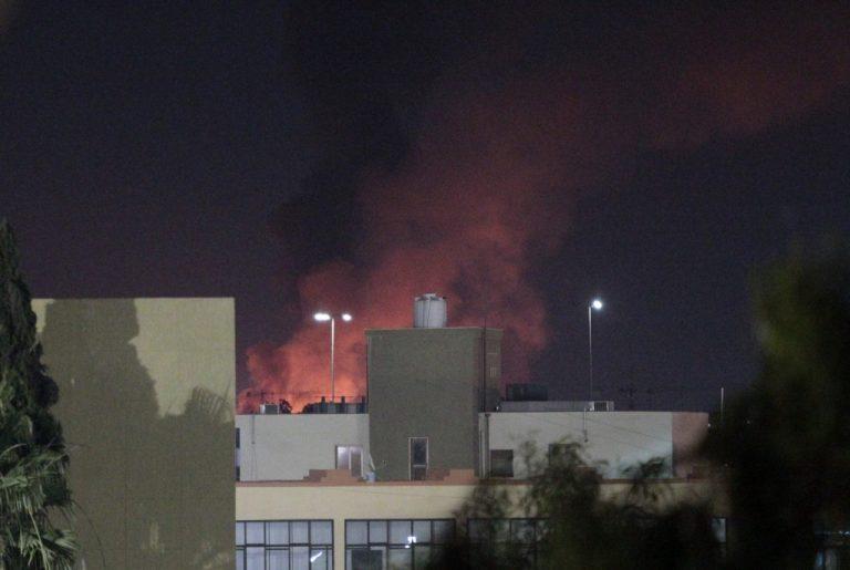 Νέες εκρήξεις το πρωί κοντά στο σπίτι του Καντάφι | Newsit.gr