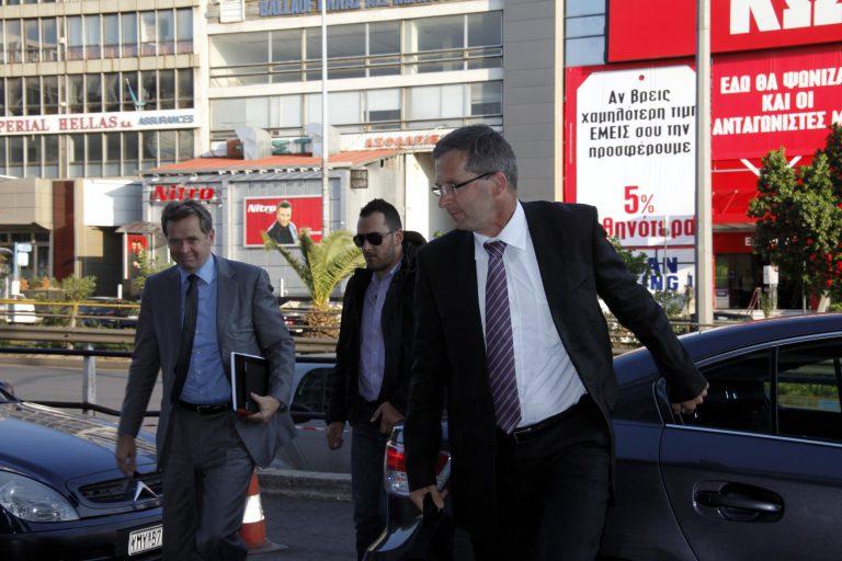Εξηγήσεις για τα κλειστά επαγγέλματα ζητάει η τρόικα   Newsit.gr
