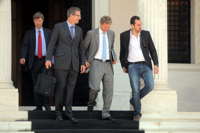 Εμφύλιος στην τρόικα για το ελληνικό χρέος | Newsit.gr