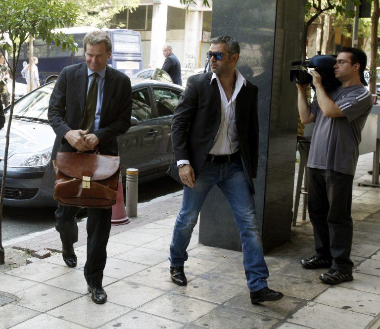 Στο υπουργείο Οικονομικών η Τρόικα – Το μαχαίρι θα φτάσει στο κόκαλο μισθωτών-συνταξιούχων   Newsit.gr