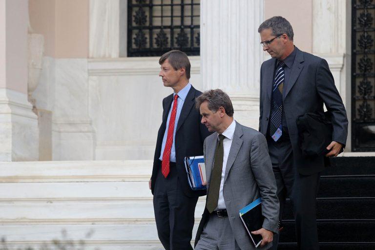 Τα τέσσερα αγκάθια με την τρόικα   Newsit.gr