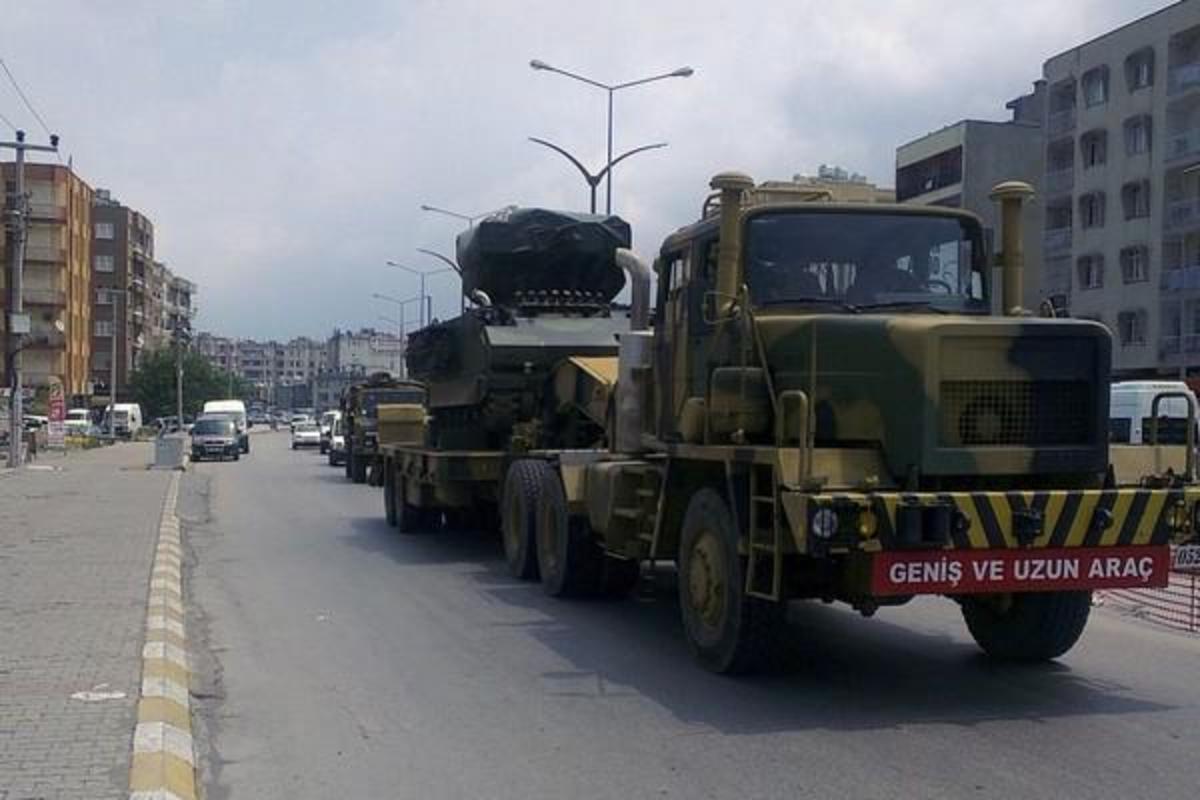 Αντιαρεπορικοί πύραυλοι και κανόνια στα σύνορα Τουρκίας – Συρίας   Newsit.gr