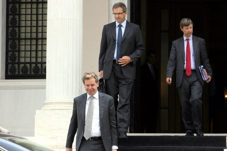 Θρίλερ στις διαπραγματεύσεις με την τρόικα – Διπλή εμπλοκή στα εργασιακά και στις απολύσεις στο δημόσιο | Newsit.gr