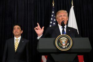 Τραμπ: Δεν βάζει μυαλό! «Ναι στις απελάσεις»