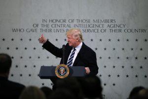 Τραμπ: Ξεκινά επαναδιαπραγμάτευση για NAFTA, μετανάστευση και ασφάλεια