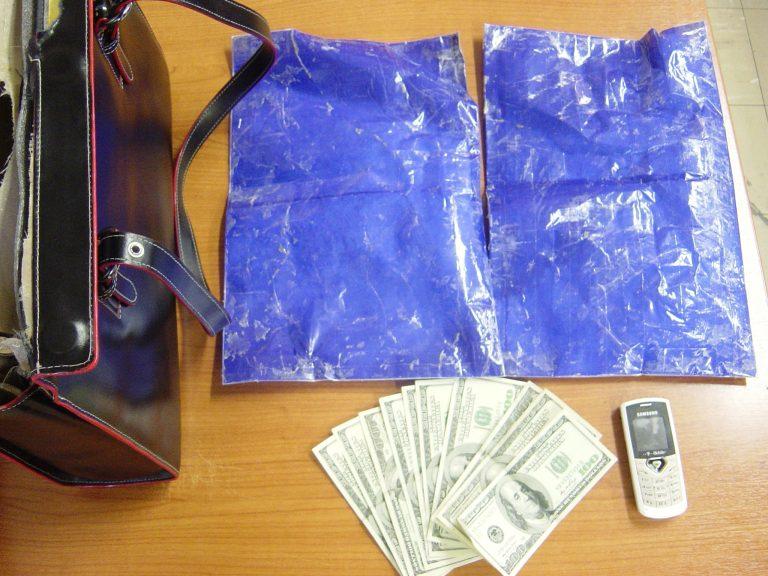 Η κυρία είχε … βαριά τσάντα | Newsit.gr