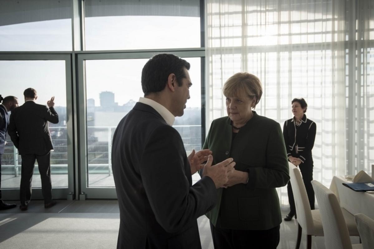 Συλλυπητήρια Τσίπρα σε Μέρκελ για το μακελειό στο Βερολίνο