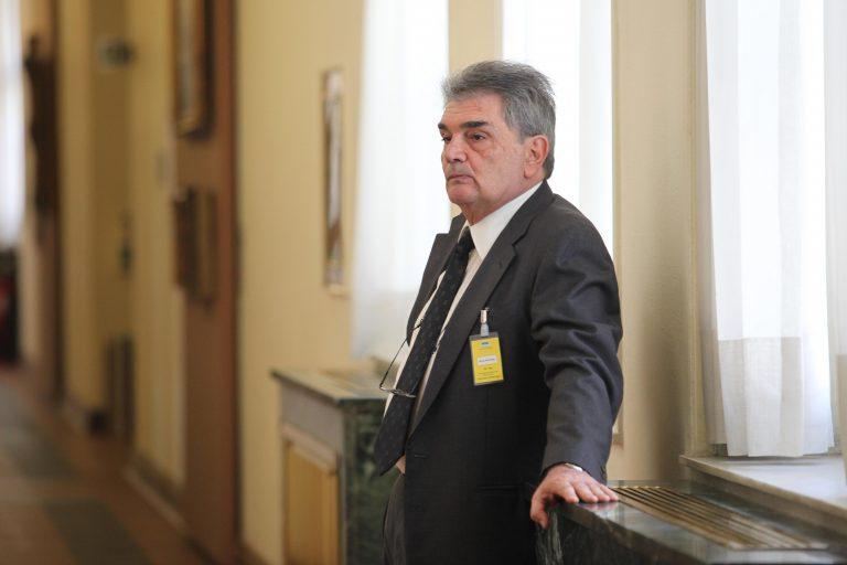 Απαγόρευση εξόδου από τη χώρα για τον κουμπάρο του Τάσου Μαντέλη   Newsit.gr