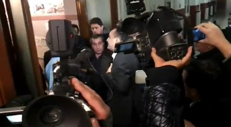 Θεσσαλονίκη:»Τσαυτάρη πάρε τα βρακιά σου και φύγε» – Επίθεση αγροτών με απίστευτες εκφράσεις! | Newsit.gr