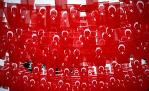 Εμετικό παραλήρημα Τούρκου βουλευτή! «Θα σας ρίξουμε ξανά στη θάλασσα της Σμύρνης»!