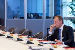"""Δεν τον θέλουν και το φωνάζουν – Νέο πανηγυρικό """"άδειασμα"""" σε Τουσκ από την κυβέρνηση της Πολωνίας"""