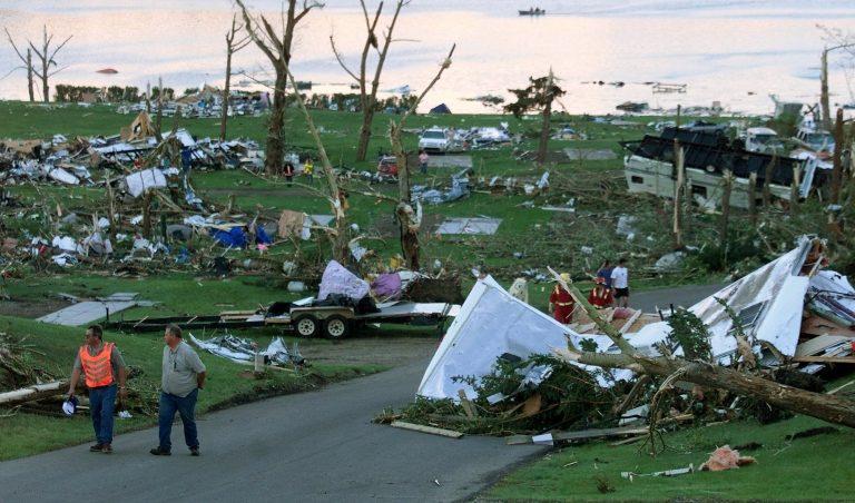 Τα Φίτζι στο έλεος του κυκλώνα | Newsit.gr