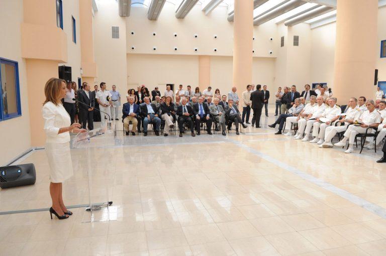 50.000 ευρώ για το νέο γραφείο της Τσουρή – Έστειλαν υποπλοίαρχο για κουρτίνες! | Newsit.gr