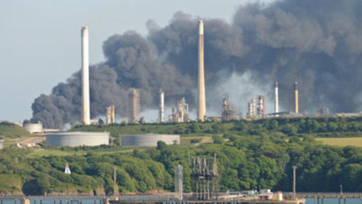 4 νεκροί από έκρηξη σε διυλιστήριο της Chevron | Newsit.gr
