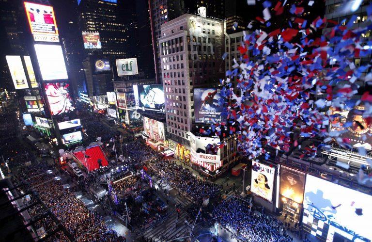 Ο κόσμος υποδέχτηκε το 2011! – Δείτε φωτογραφίες και βίντεο | Newsit.gr