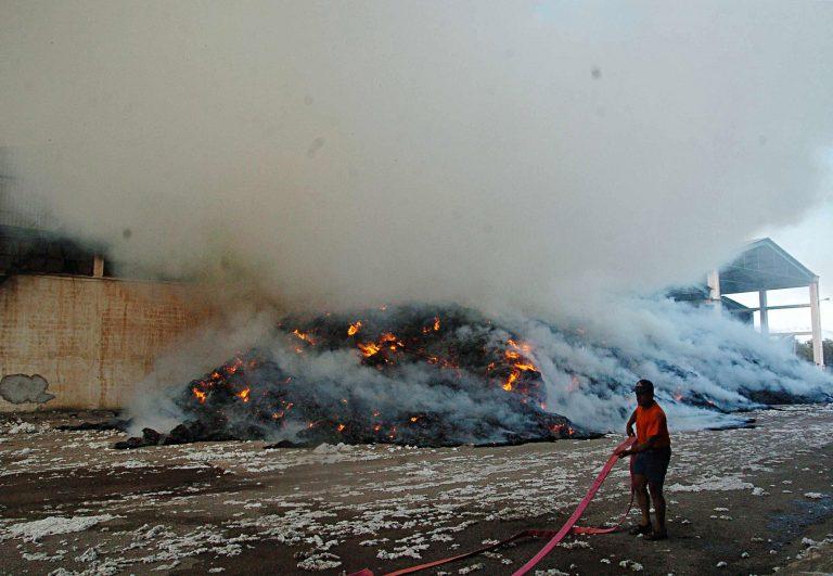 Φθιώτιδα: Στάχτη 9 τόνοι βαμβάκι!   Newsit.gr