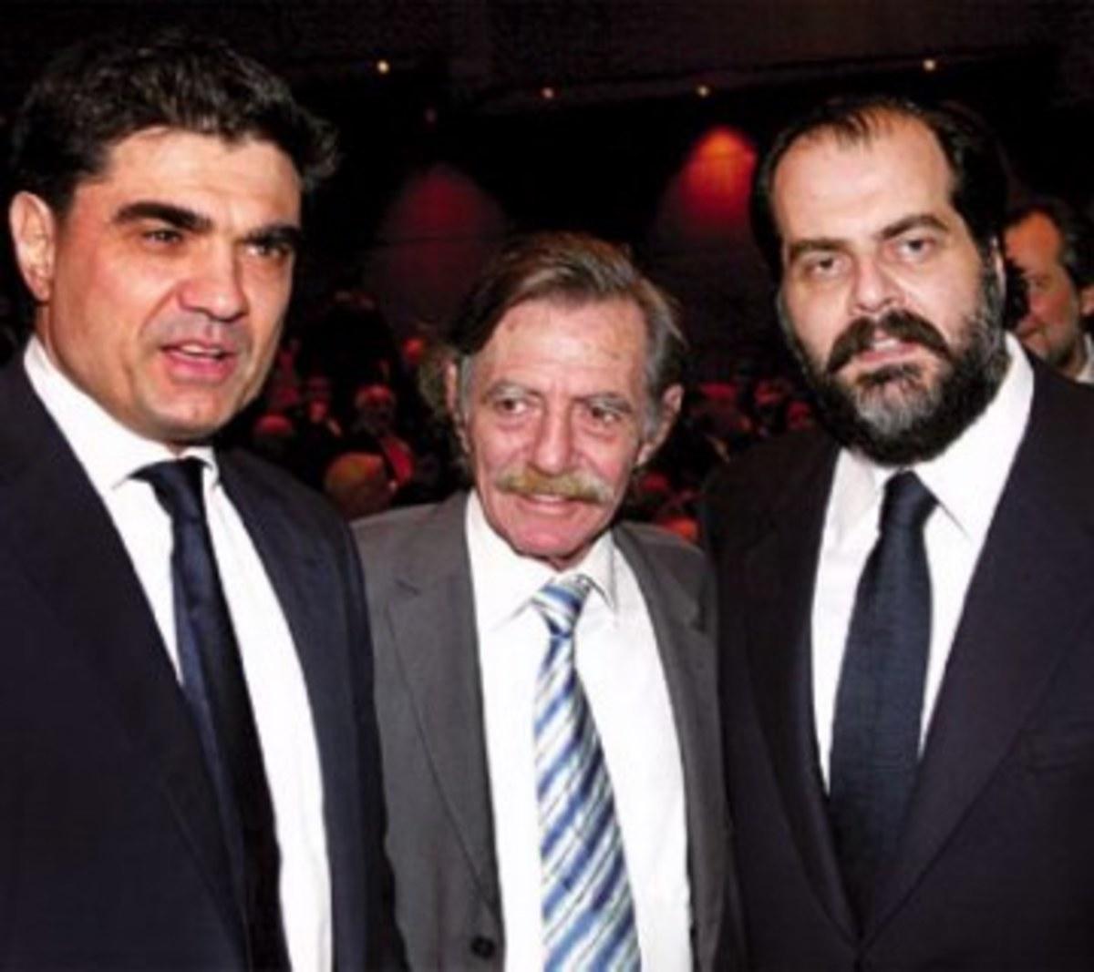 Αλληλογραφίες και αλληλομαχαιρώματα | Newsit.gr