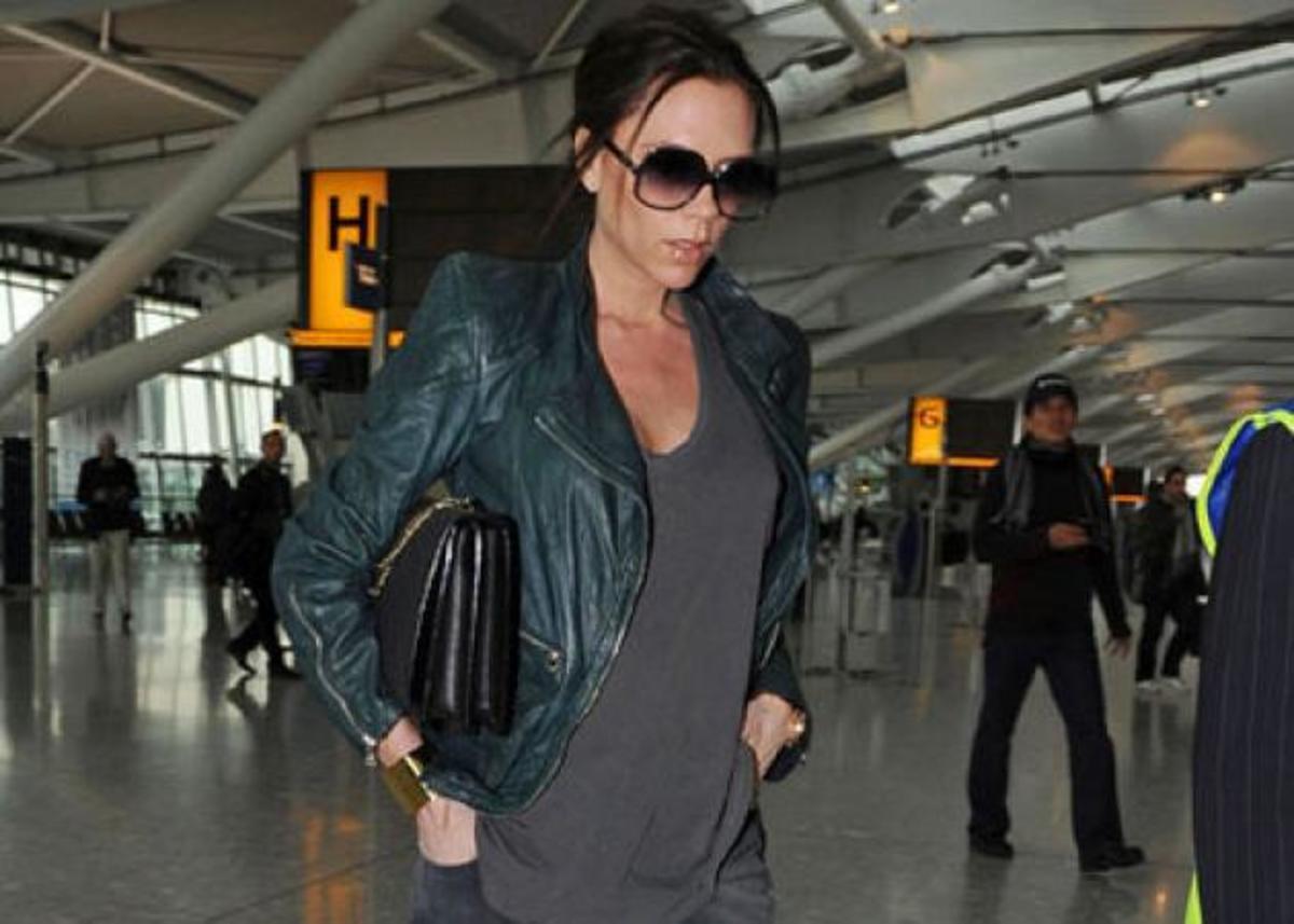 Θέλεις να γίνεις φίλη της Victoria Beckham; Καν'το με ένα «like»   Newsit.gr