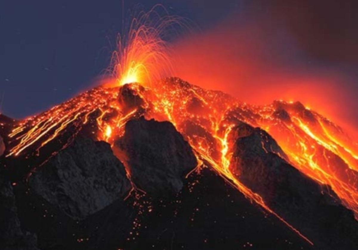 Ηφαίστειο εξερράγη για πρώτη φορά από το 1897 | Newsit.gr