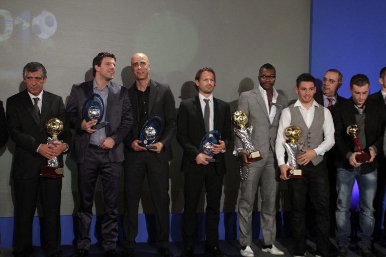 Λάμψη αστέρων στα βραβεία για τους κορυφαίους της Σούπερ Λιγκ | Newsit.gr