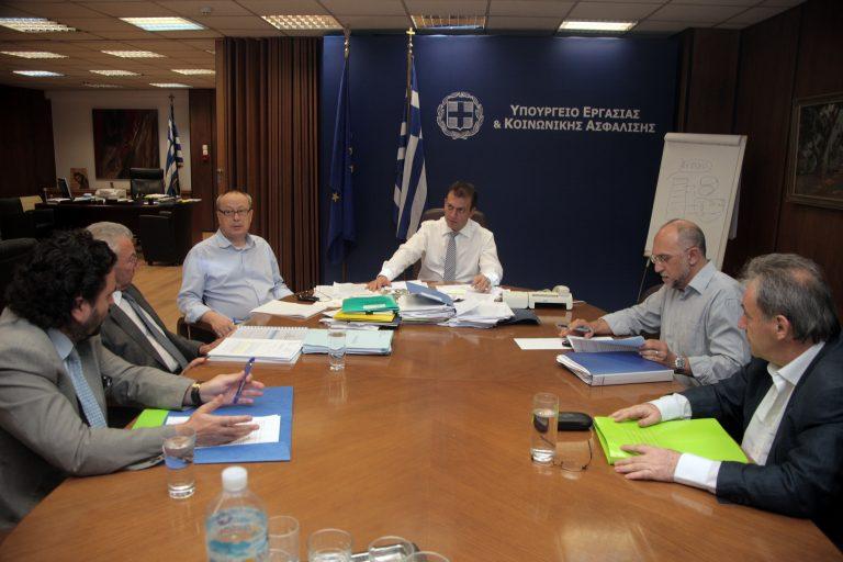 Βρούτσης: Θα καταβληθούν τα δεδουλευμένα στους εργαζόμενους συνδικαλιστές | Newsit.gr