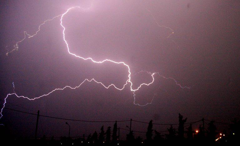Πτώση της θερμοκρασίας και καταιγίδες την Δευτέρα | Newsit.gr
