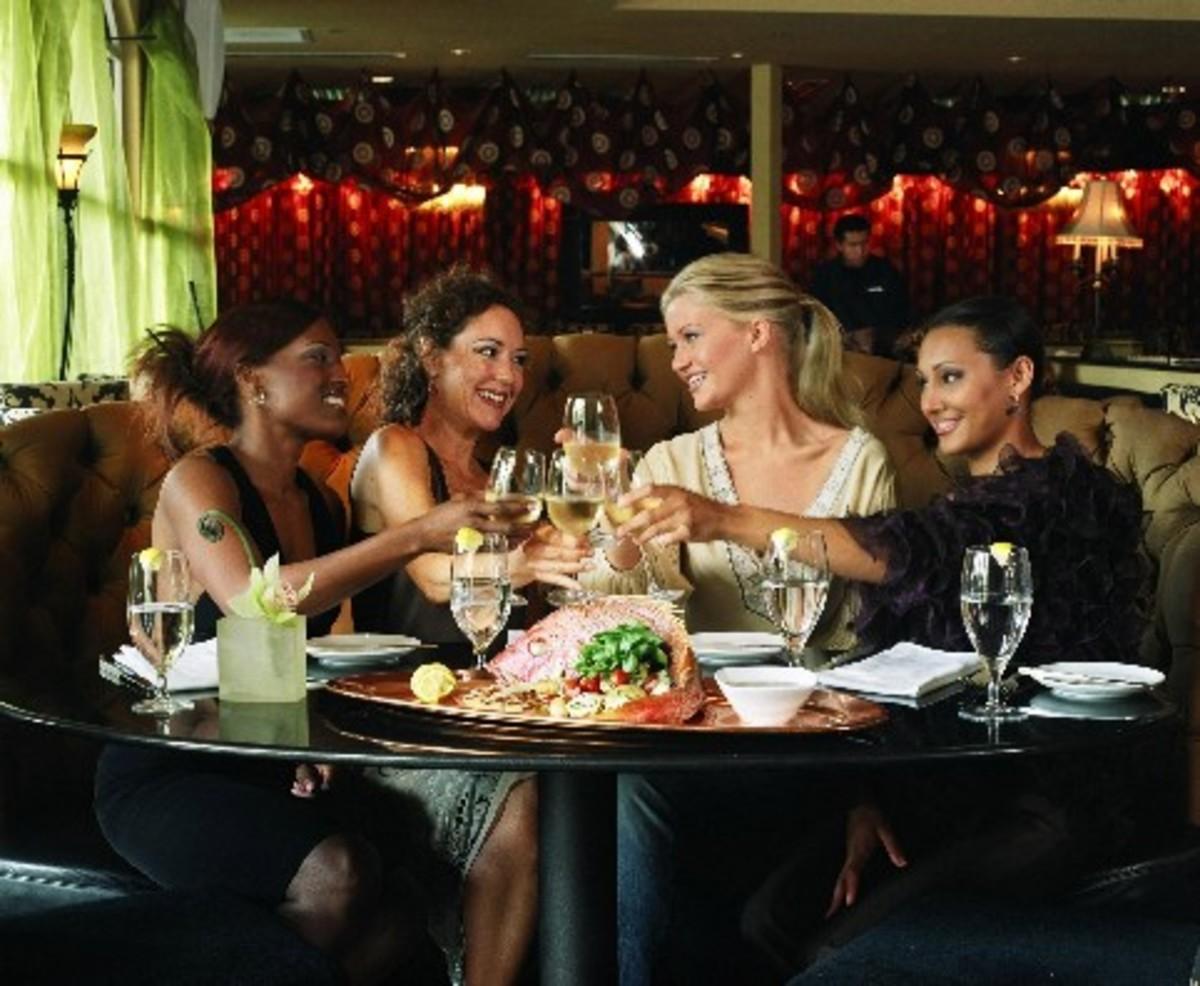 Οι γυναίκες που πίνουν δεν παχαίνουν;   Newsit.gr