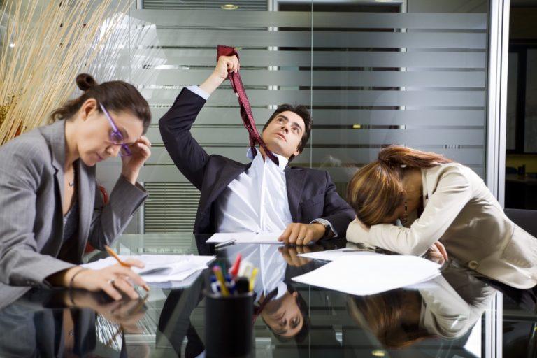 1 στους 4 εργαζόμενους βαριέται πολύ στη δουλειά του! | Newsit.gr