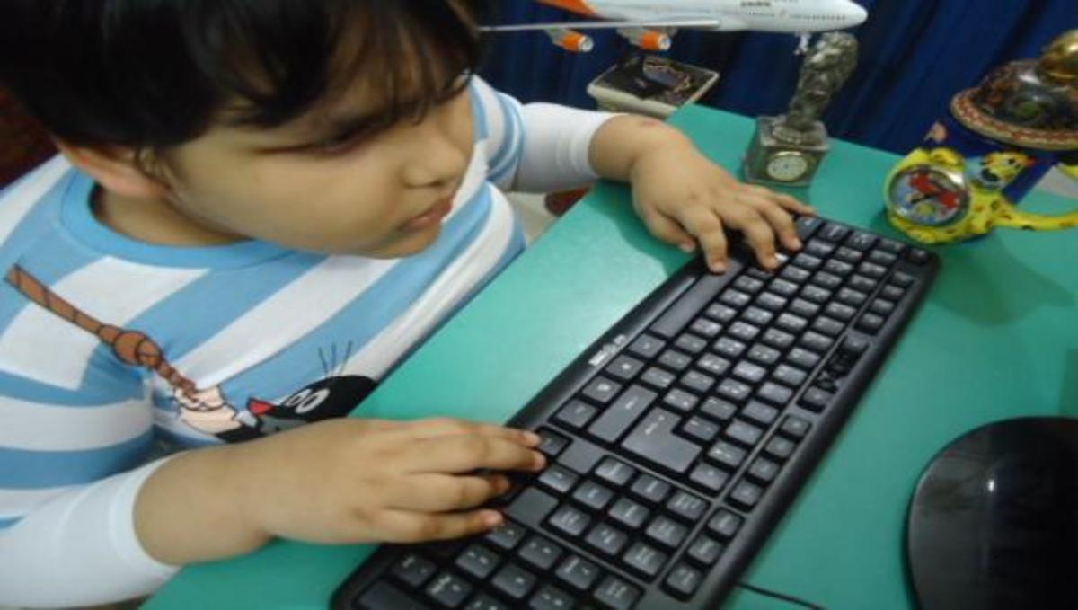 Αυτός είναι ο πιο νέος ειδικός στους υπολογιστές! | Newsit.gr