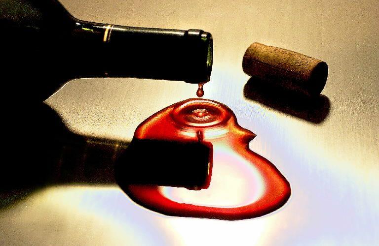 Θέλουν τα δικαιώματα του αγαπημένου κρασιού του Στάλιν! | Newsit.gr
