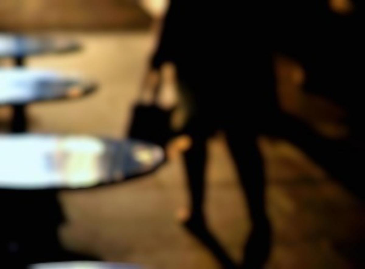 Την παραμόνευε και της επιτέθηκε ενώ έμπαινε στο σπίτι της | Newsit.gr