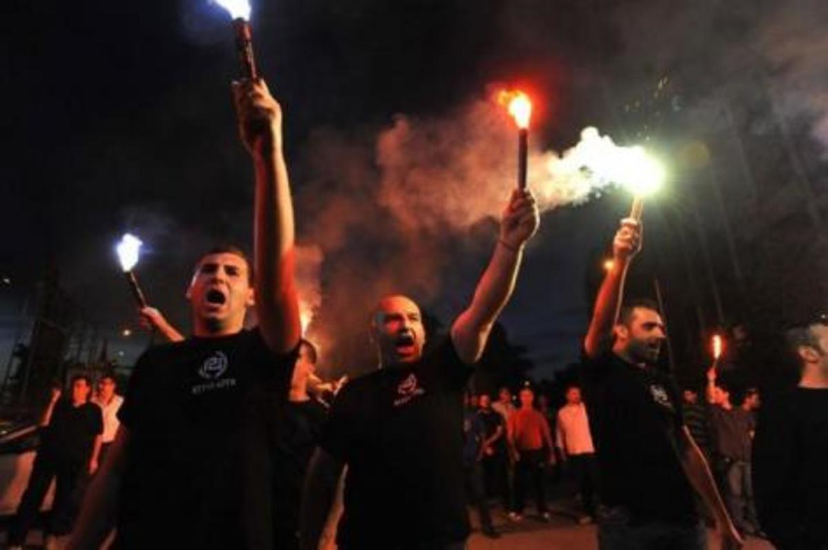 Επίθεση στην εγγονή στρατηγού από τους Χρυσαυγίτες,που δρουν πλέον ανεξέλεγκτα | Newsit.gr