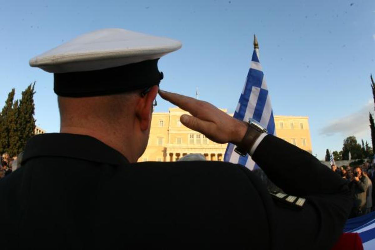 51 βουλευτές της ΝΔ δεν είχαν διαβάσει το μνημόνιο και όσα προέβλεπε για τους στρατιωτικούς! | Newsit.gr