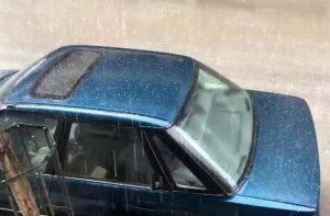 Καιρός: Έπεσε χαλάζι στα Λάρισα [vid]