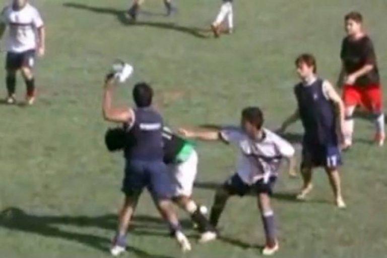 Ξύλο και 36 αποβολές σε ποδοσφαιρικό αγώνα! (VIDEO) | Newsit.gr